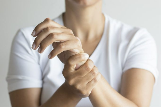 wrist pain in pregnancy image