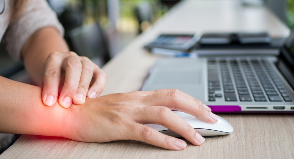 Repetitive strain injury forearm computer mouse